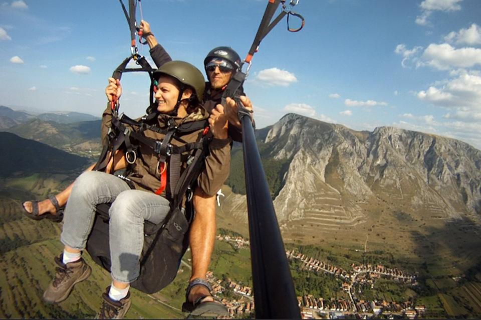 Te invită Clujul - Zbor cu parapanta în tandem pe deasupra munților...