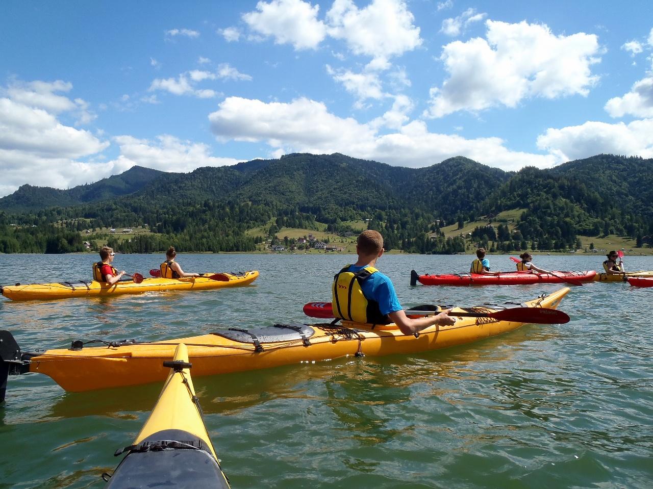 Trăiește-ți vara în natură! Tură cu caiacul pe Lacul Colibița și...