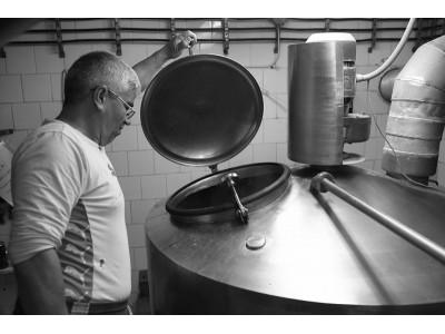 """Hai la o degustare de bere adevărată: nefiltrată, artizanală, savuroasă. Pur românească. Variantele cu sau fără cazare. """"Te invită Prahova!"""""""