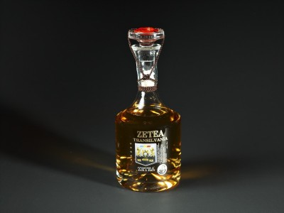 PALINCĂ de Transilvania, sortiment de lux, 5 stele, marca Zetea, 50 %, 0,7 l