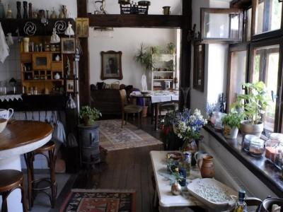 Escapadă gourmet și curs interactiv pentru o cină sofisticată la Hărman, Brașov. Variantele cu 1 - 3 nopți de cazare în casă săsească de patrimoniu și 2 ospețe pe zi.