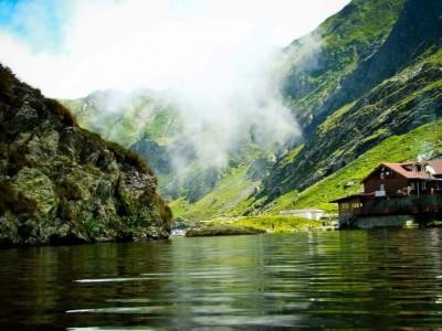 Aventură de 3-6 zile în Munții Făgăraș: răsfăț în ștrandul de la munte, vizită la ferme, ospăț cu pește proaspăt și cu vită de rasă nobilă! Te invită Sibiul!
