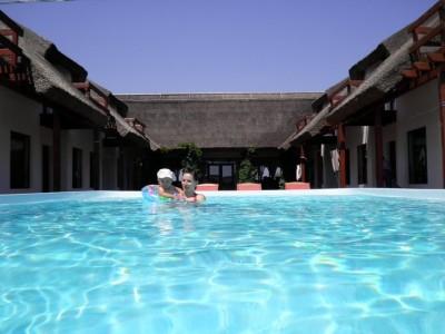 """""""Lasă-te alintat de Delta Dunării!"""", experiență premium de 3 - 4 nopți cu bălăceală la piscină și alte răsfățuri în pensiune de lux + (opțional) vizită la Pădurea Letea și lecție de gastronomie locală (prânz) acasă la pescarul șef"""