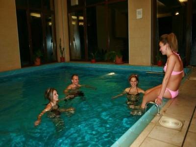 Lux de Maramureș - răsfăț la piscine cu ape termale, masaj si tratament facial cu Pell Amar, băi sulfuroase fierbinți cu sare și spumă, cazare premium, 4*. Opțional: curs de olărit cu cel mai respectat artist ceramist + prânz tradițional.