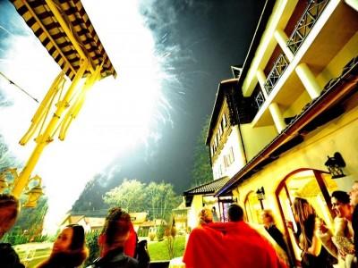 Revelion 2020 pe etajul de lux al Maramureșului, hotel Grădina Morii din Sighet, 6 zile si 5 nopți, cu pensiune completă, plimbare cu sania, foc de tabără,  dans si voie bună cu soliști de muzică populară
