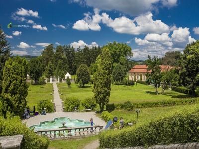 Călătorie în frumosul de acum 200 de ani: Palatul Brukenthal, Avrig.  De la arta sticlei, la gastronomie de epocă. O cină spectacol în singurul parc baroc din România. Cu 2-3 nopți și mic dejun.