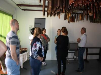 Poveste de Crăciun în Covasna: concurs de trăsuri, vizită la pălincie de lux și la atelierul de pastrame nobile, plimbări cu sania, lecții de călărie. Variantele de 5 sau 4 zile, bucate de casă. Palincă la infinit!