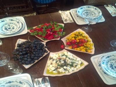 """Escapadă gourmet și curs interactiv pentru o cină sofisticată, la Hărman, Brașov, cu 1 - 3 nopți de cazare în casă de patrimoniu, cu 2 ospețe pe zi + (opțional) masaj de relaxare și vizitarea cetății de secol XIII. """"Te invită Brașovul!"""""""