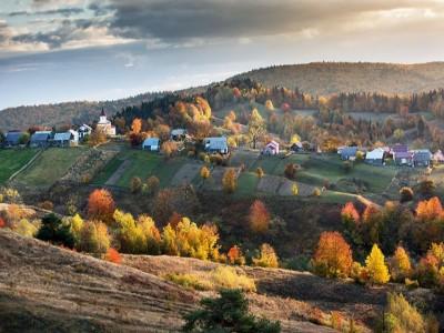 """Degustă Bucovina Premium! - Întâlniri cu personajele locului, lecții de călărie, de gastronomie, de dans, vizite cu degustări """"Acasă la Produse de Legendă"""".  3 - 5 nopți cazare lux, cu demipensiune."""