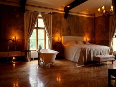 Escapadă de lux la Castelul Contelui Mikes din Zabola, Covasna. Variantele 1-4 nopți și două mese rafinate pe zi.
