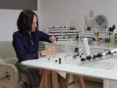Miresme românești: creează propriul tău parfum alături de un expert, la un atelier olfactiv din București!