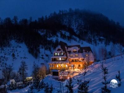 Crăciun în Maramureș, la Conacul Drahneilor, Ruscova : 4 nopți de poveste, cu 3 ospețe pe zi, seară de dans cu ceterași, Cină Festivă, plimbare cu sania