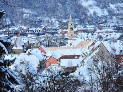 Crăciun 2019 în Transilvania, la ferma de echitație Dracul din Daneș, Mureș - 4 nopți, demipensiune, ceremonia de tăiere a porcului, foc de tabără, seară cu ceterași