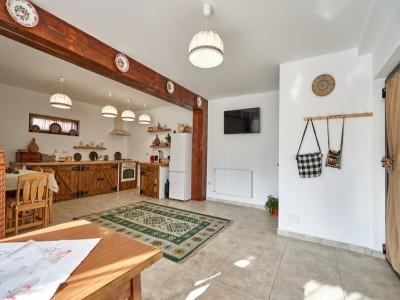 Vacanță în Maramureșul autentic: 2-7 nopți cazare în pensiune tradițională premium, 2 mese pe zi din produse de casă + plimbare cu Mocănița și un prânz în pădure