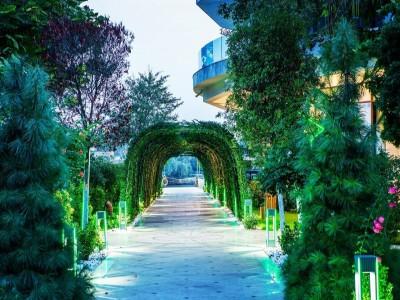 Minivacanță de lux în Delta Dunării, la Lebăda Luxury Resort and SPA 5*, variantele cu 3 nopți de cazare și mic dejun, pentru vară și toamnă.