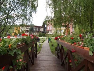 Vacanță de Paște în grădina secretă a Maramureșului: 4 nopți cu 3 mese pe zi, Masă Festivă, relaxare la piscină interioară, hotel premium 4*